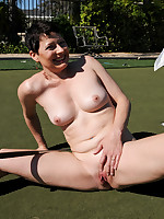 Mature Pictures Featuring 45 Year Old Kali Karinena From AllOver30