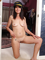 Mature Pictures Featuring 52 Year Old Sherry Lee From AllOver30
